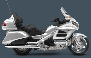 2015_GoldWing_LightSilverMetallic