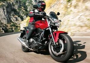 Honda-NC750S-Kırmızı-Yan