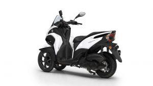 2016-Yamaha-Tricity-155-beyaz