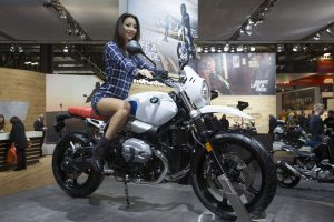 2016-eicma-motosiklet-model-bmw-rninet-retro